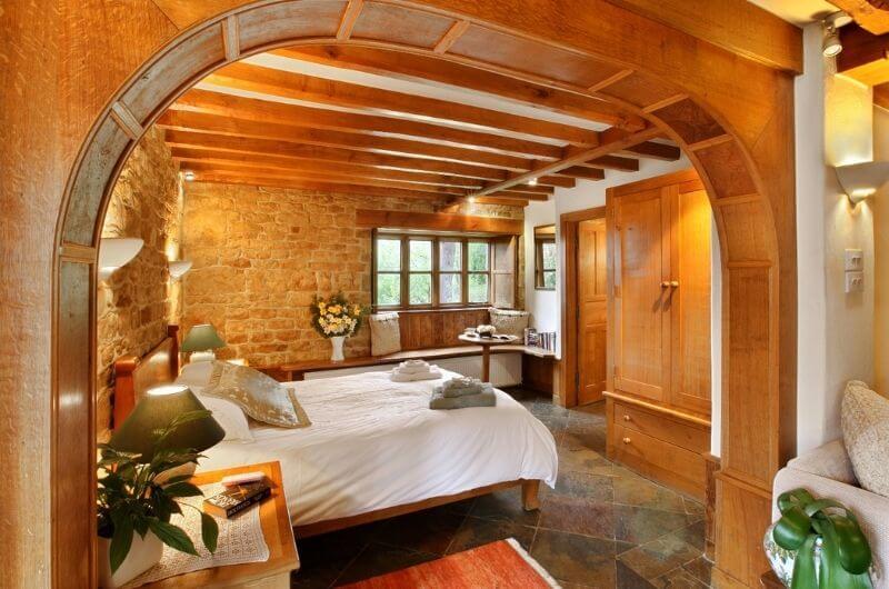 Heath-Farm-Cottages-Urlaub-Cotswolds-England-UK-Familienurlaub-mit-Kindern-nachhaltig-eco-tourism-chestnut-Schlafzimmer