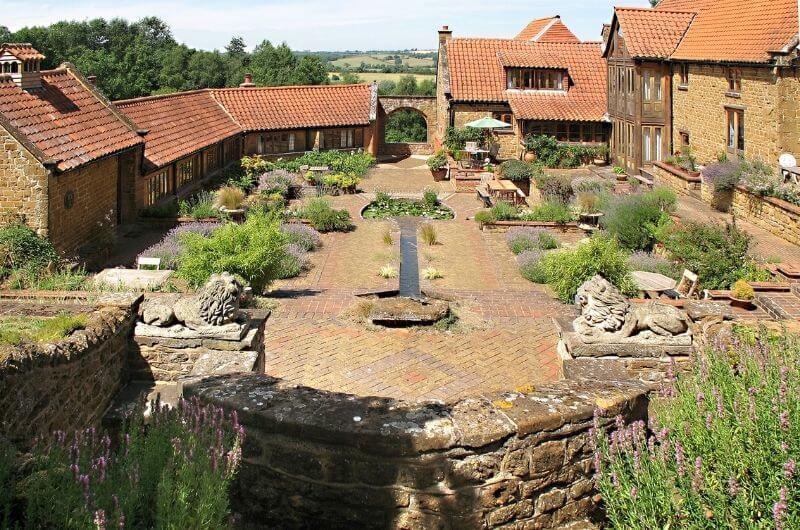 Heath-Farm-Cottages-Urlaub-Cotswolds-England-UK-Hamlet-Familienurlaub-mit-Kindern-nachhaltig-eco-tourism