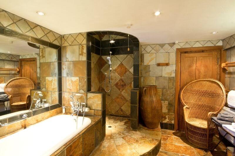 Heath-Farm-Cottages-Walnut-Badezimmer-Bathroom-Urlaub-Cotswolds-England-nachhaltig-eco-tourism