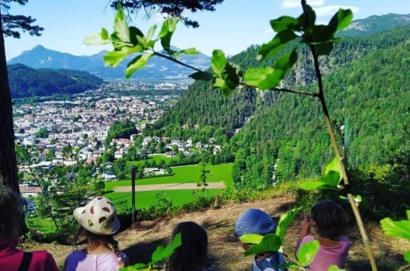 Blick-Kufstein-Hotel-Frohnatur-Familienhotel-Tirol-Österreich-Garni-nachhaltiger-Urlaub-stylish-Kinder-Familie-Familienurlaub-Ferien-Eco