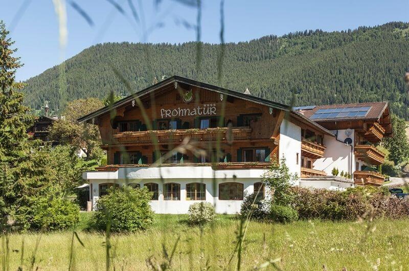 Hotel-Frohnatur-Familienhotel-Tirol-Österreich-Garni-nachhaltiger-Urlaub-stylish-Kinder-Familie-Familienurlaub-Ferien-Eco