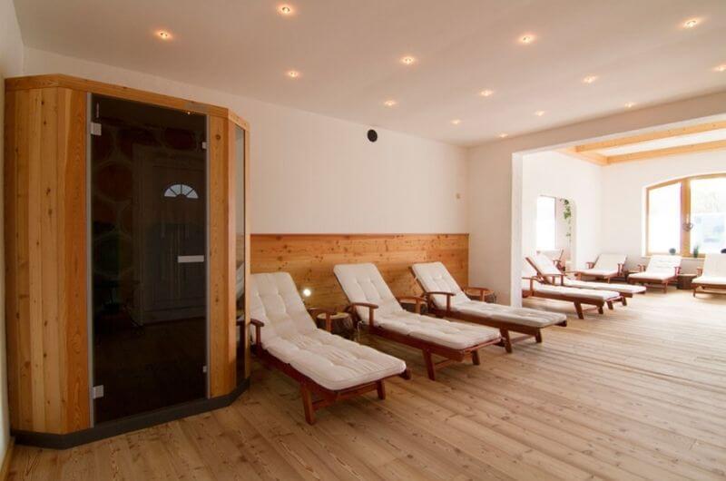 Wellness-Hotel-Frohnatur-Familienhotel-Tirol-Österreich-Garni-nachhaltiger-Urlaub-stylish-Kinder-Familie-Familienurlaub-Ferien-Eco