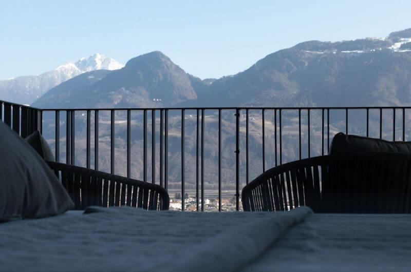 Bergpanorama-Stöckler-Hof-Südtirol-Ferienwohnung-neu-auf-dem-bauernhof-familienfreundlich-lana-bei-bozen-nähe-meran-umgebung-mit-pool-kinder-baby-frühstück-fewo-4-personen-lamas-nachhaltig