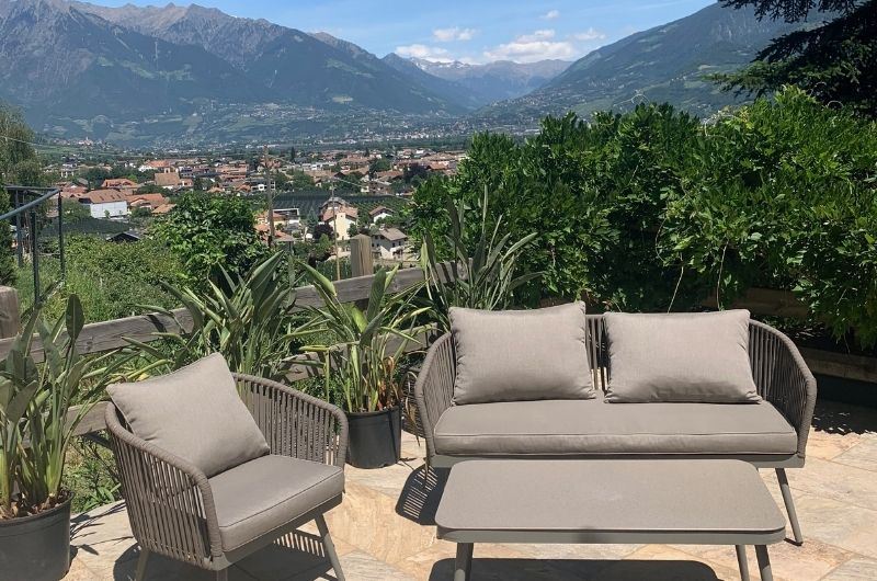 Sonnenterrasse-Südtirol-Ferienwohnung-neu-auf-dem-bauernhof-familienfreundlich-lana-bei-bozen-nähe-meran-umgebung-mit-pool-kinder-baby-stöckler-hof-fewo-4-personen-bergen-nachhaltig-vigiljoch