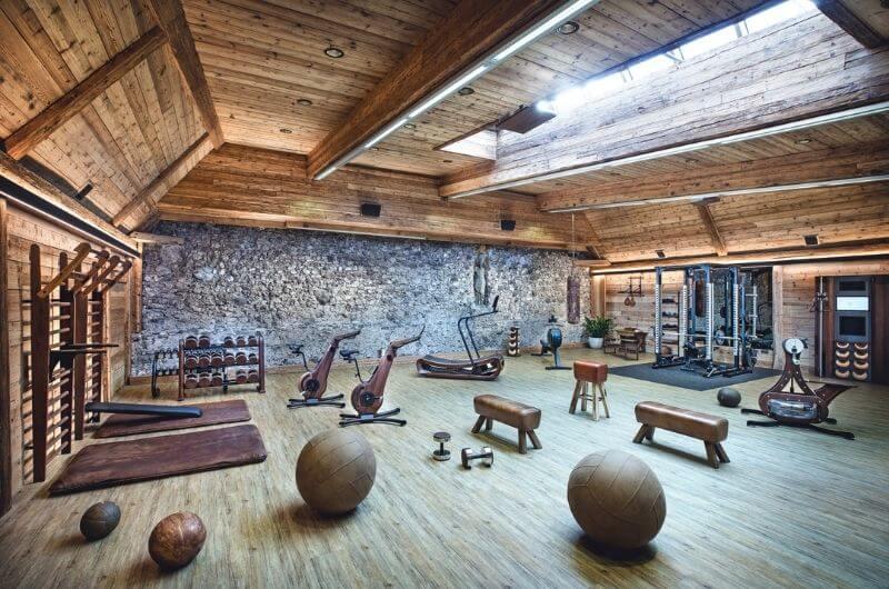 Fitnessstudio-Klosterbräu-Hotel-Spa-Urlaub-mit-Kind-Baby-Kleinkind-Familienfreundlich-Seefeld-Tirol-Kinderhotel-Österreich-Bauernhof-Hoftiere-Biohof-nachhaltig-Familienhotel